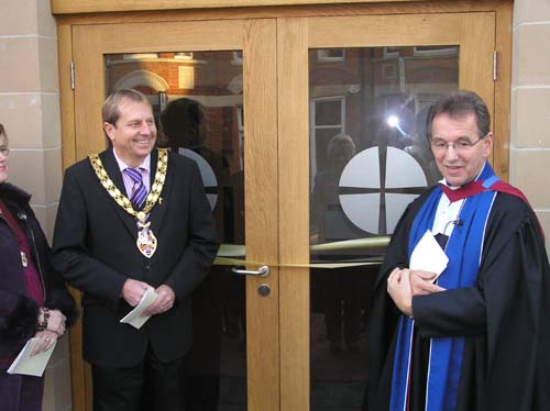 7/12/2008 The Burnham Mayor, Peter Burridge-Clayton about to cut the ribbon.